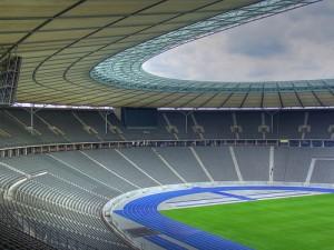 stadion-pusty